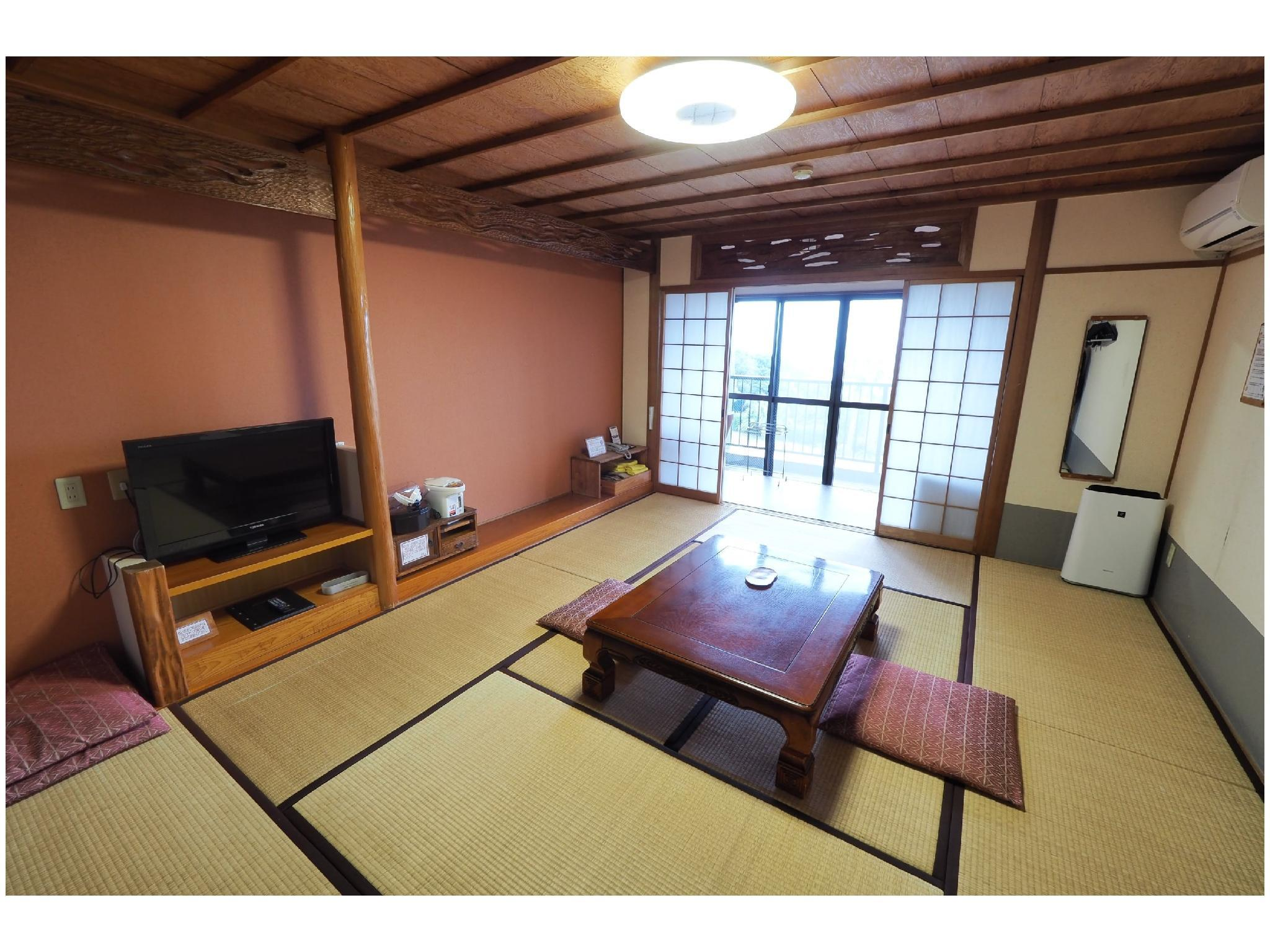 日式房 (Japanese Style Room Main Building)