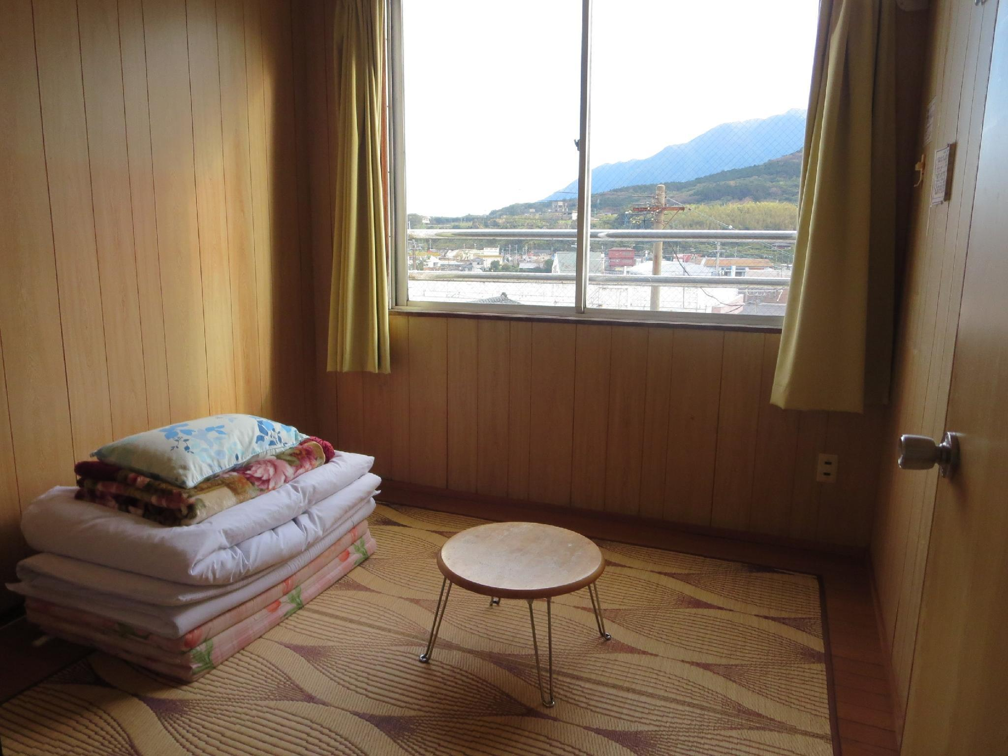 Japanese-style Room or Western-style Room (Main Building) *Allocated on arrival