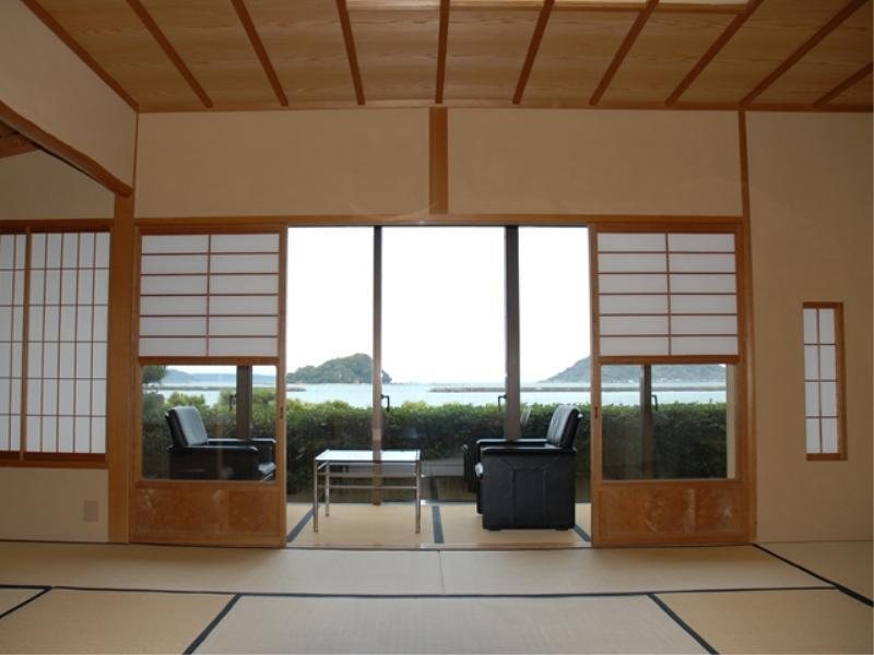 檜の内風呂つき海の見える和室10畳 (Japanese-style Room with Cypress Bath (Ocean View))