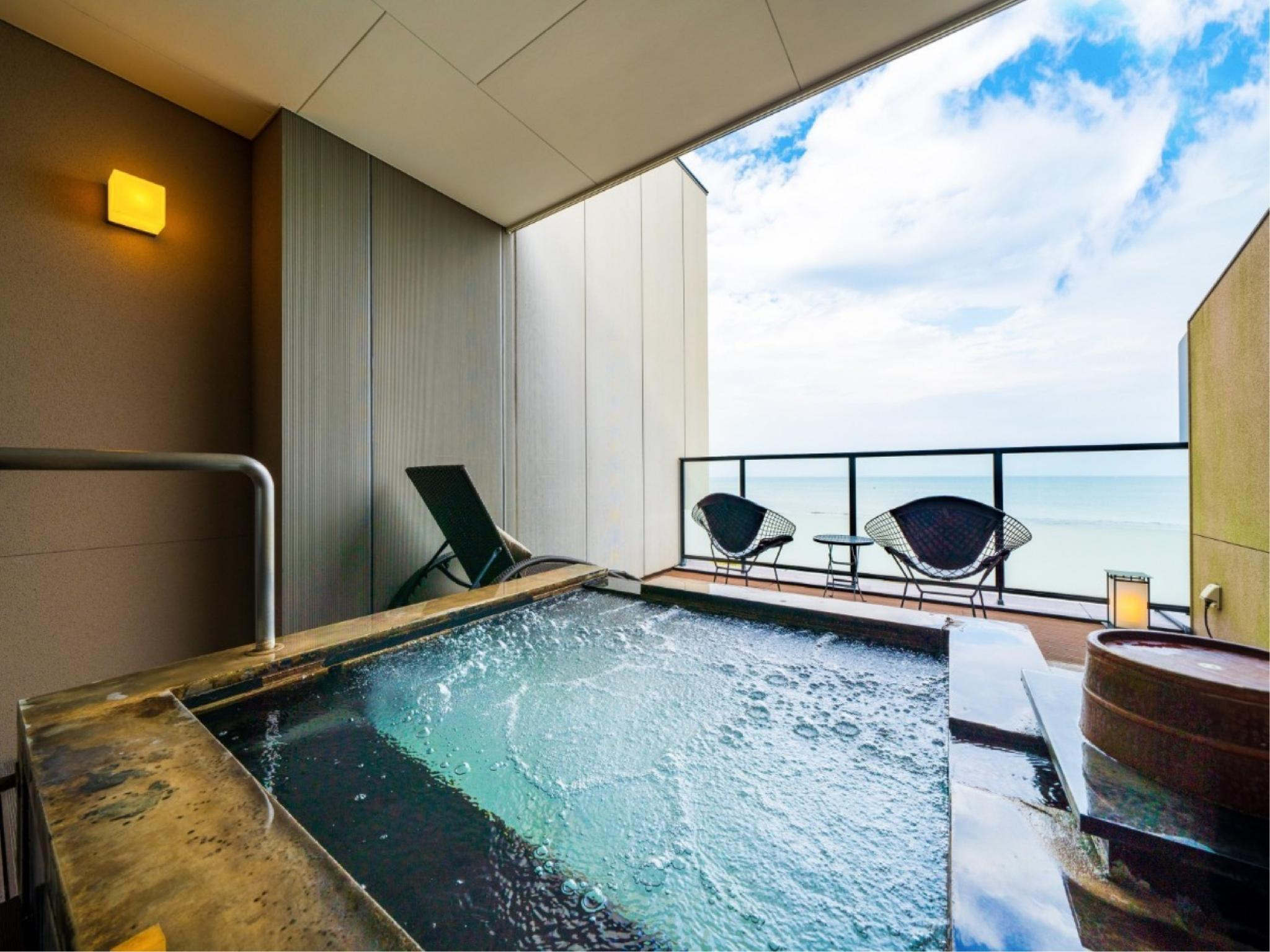 The Grand Ocean's Twin Room with Open-air Bath