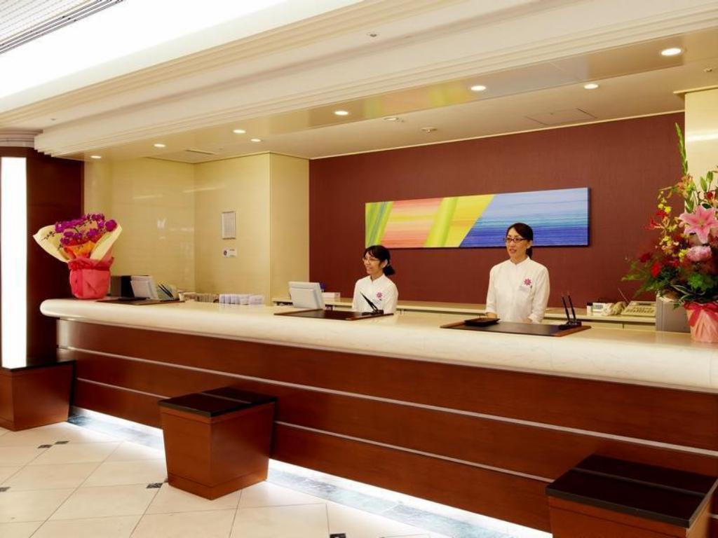 Lobby Smile Hotel Naha City Resort