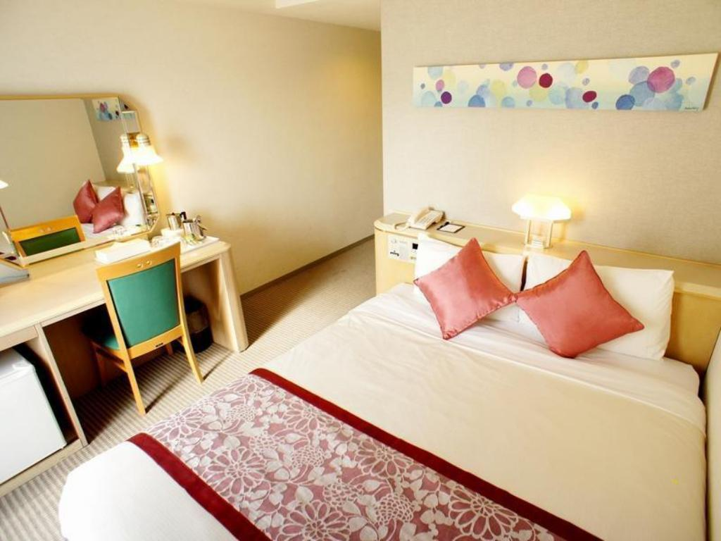 Double Room - Standard - Guestroom Smile Hotel Naha City Resort