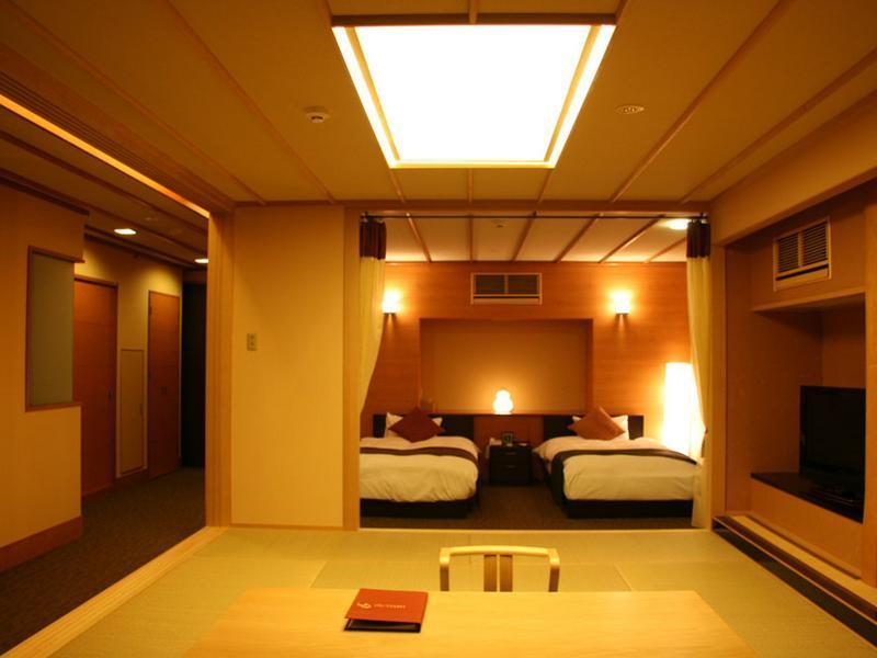 和洋式房 (Japanese/Western-style Room with Open-air Bath (2 Beds, Type H/I))