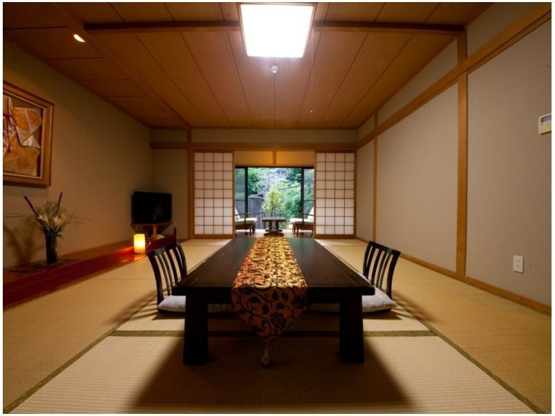 Detached Japanese-style Room with Open-air Bath *No bath in room
