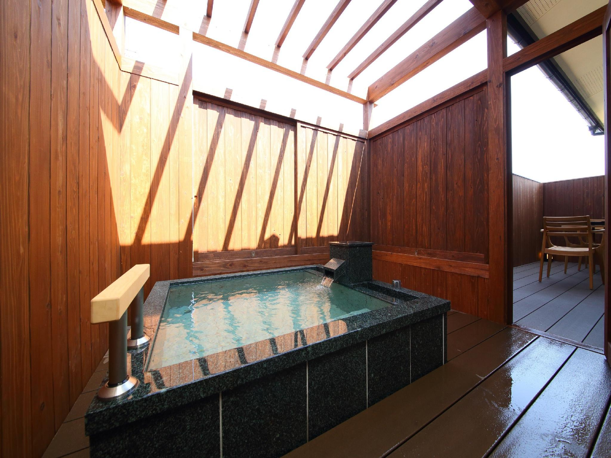 花由區 新裝獨立房A(和洋式房+露天風呂)  (Renovated Detached Japanese/Western-style Room with Open-air Bath (Type A, Hanayoshi Wing) )