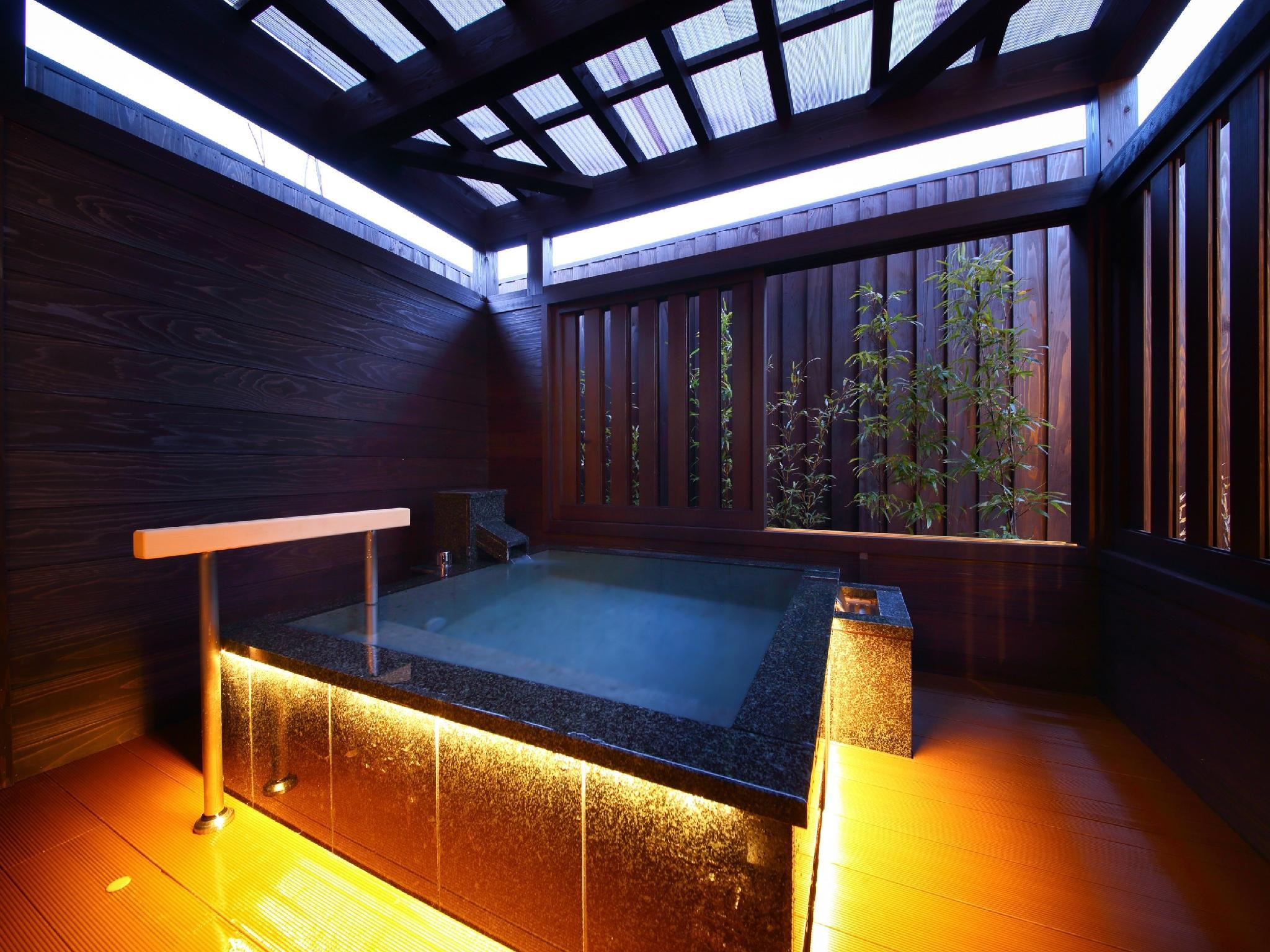 Detached Japanese/Western-style Room with Open-air Bath & Wood Deck (Type B, Hanayoshi Wing)