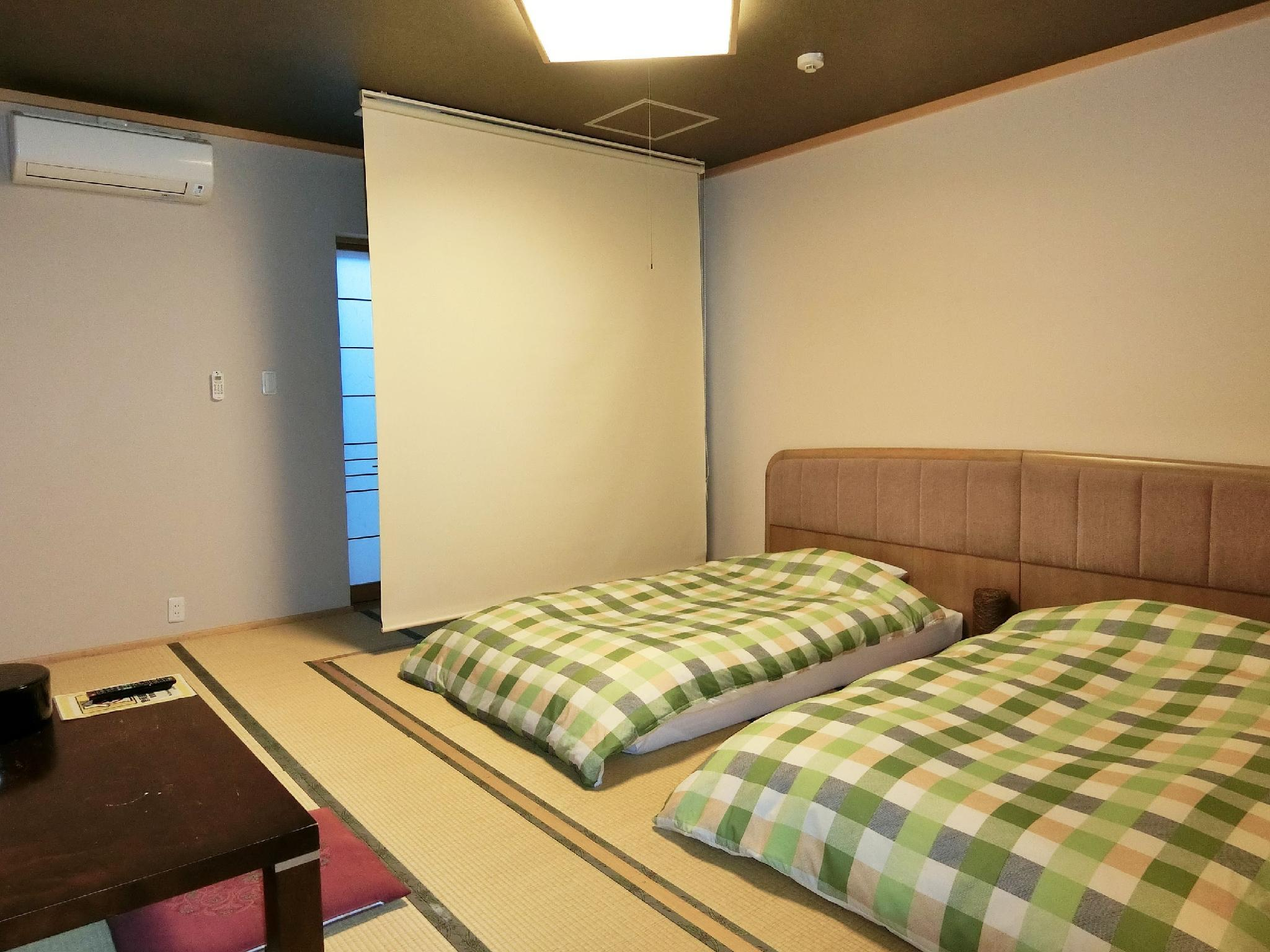 Japanese-style Room (No. 102) *Has bath