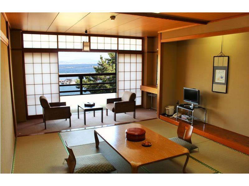 和室10畳海側|10畳 (Japanese Style Room Main Building)