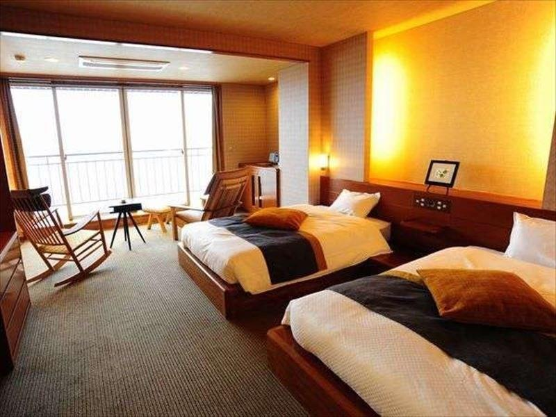 Deluxe Modern Japanese-style Twin Room (Type D, Club Floor)