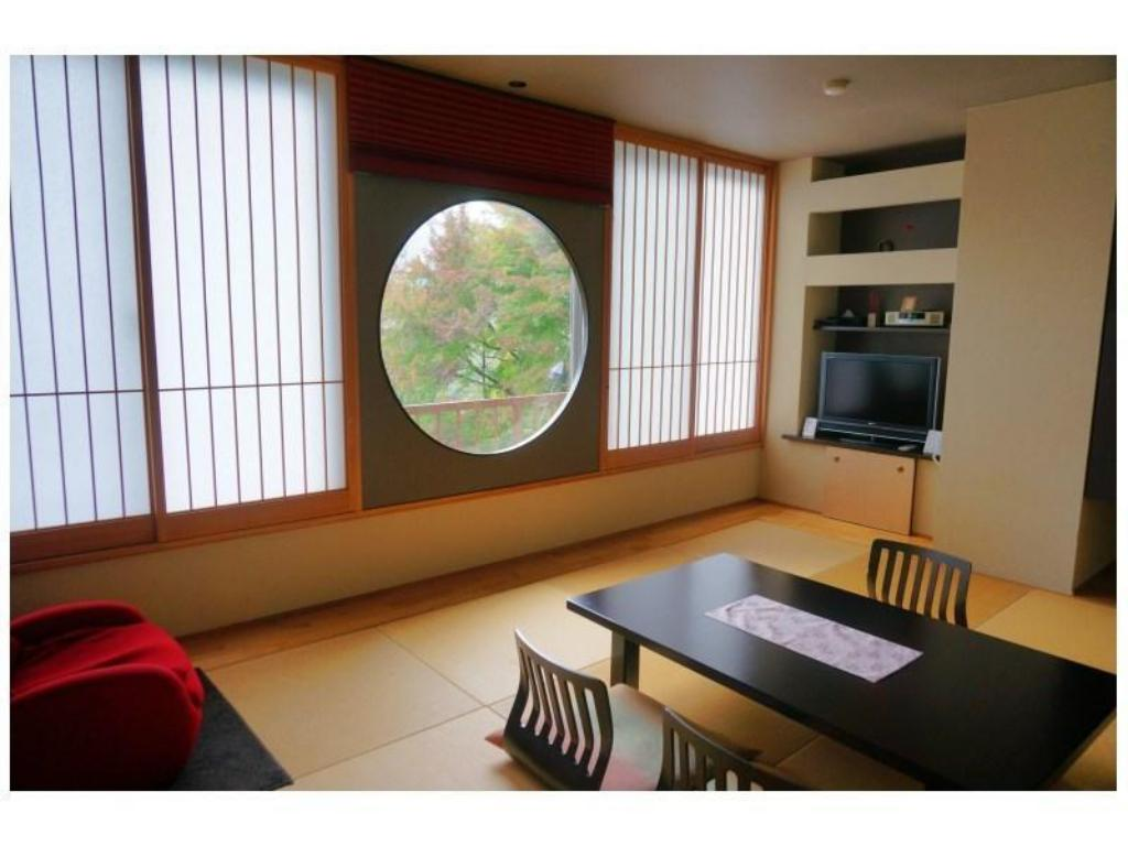 Japanese-style Room with Massage Chair (Main Building) - Guestroom Hotel Iya Onsen