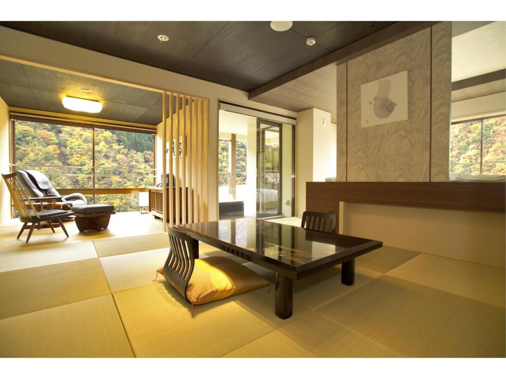 Fuwari Japanese-style Suite with Open-air Bath & Foot Bath (Tamayura Type) - Guestroom