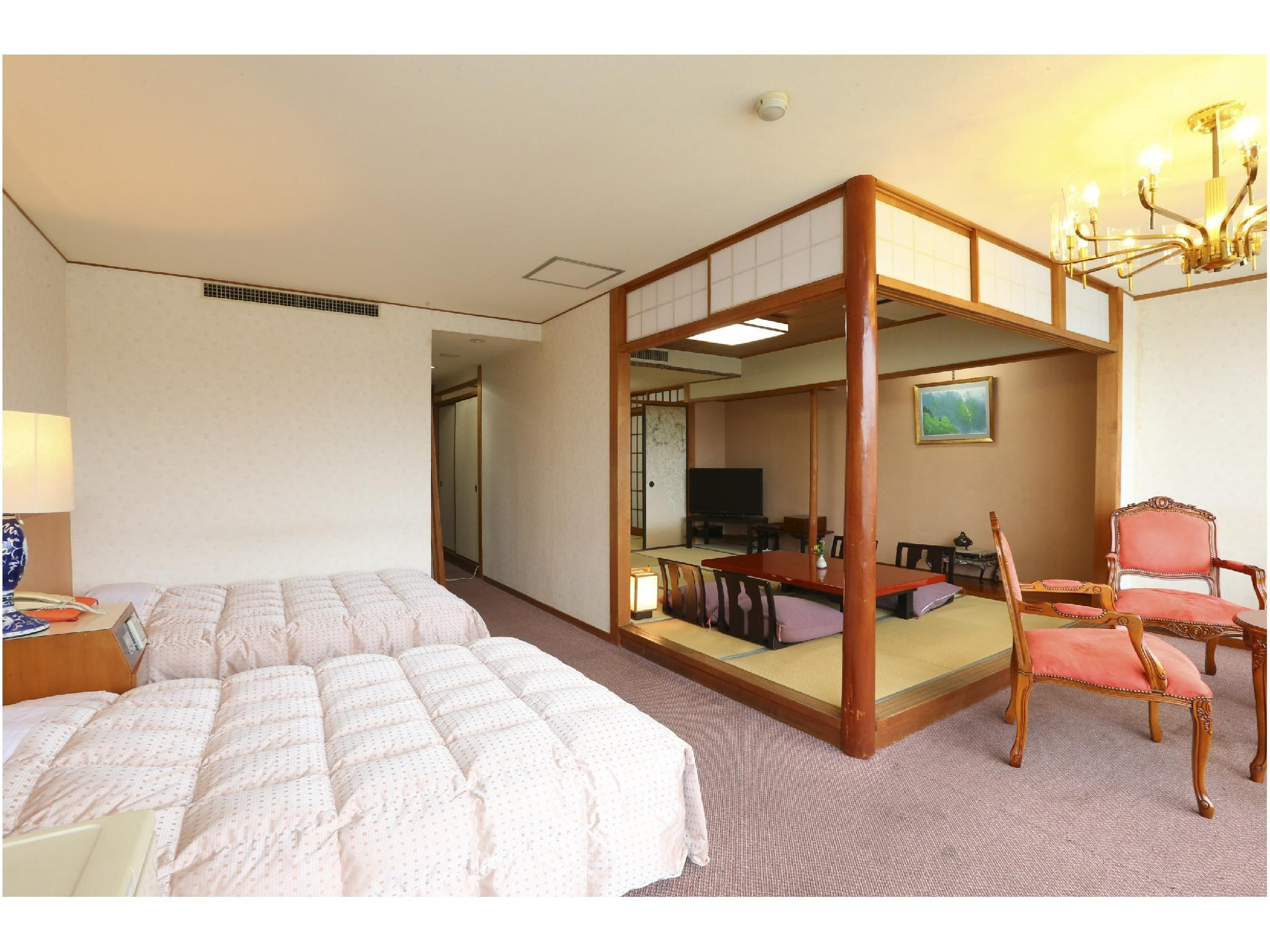 701 和室8畳+3畳+ツイン|44平米 (Japanese Western Style Room with Twin Bed)