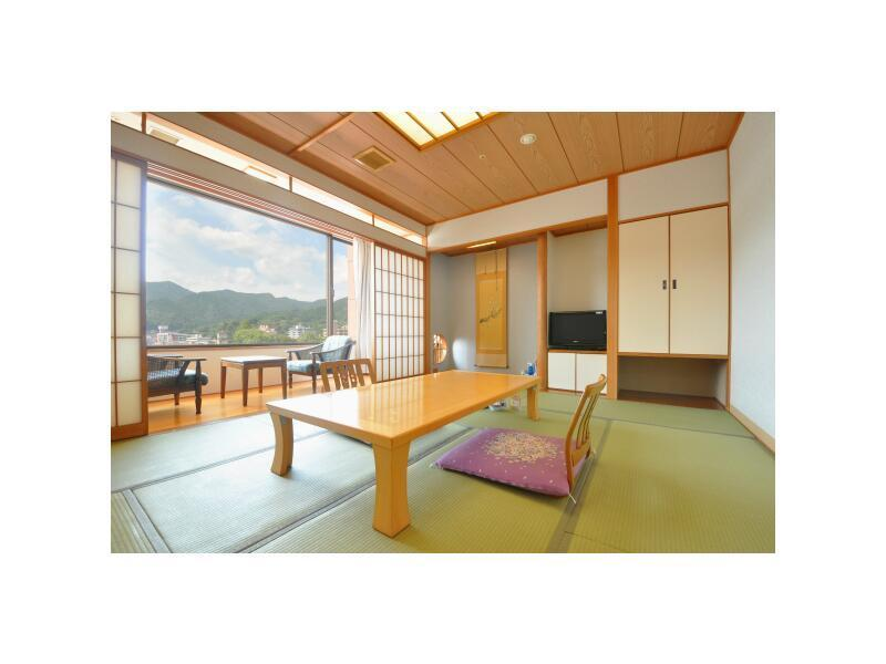 Japanese-style Room with Small Garden (2 Japanese Beds)