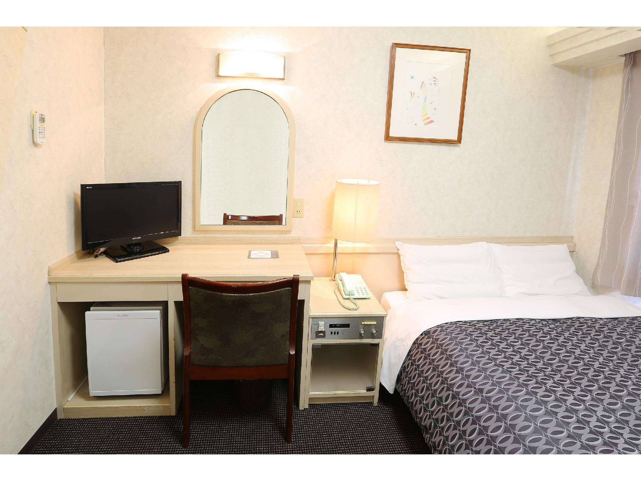 Double Room (Wide Single Room (Double Bed))