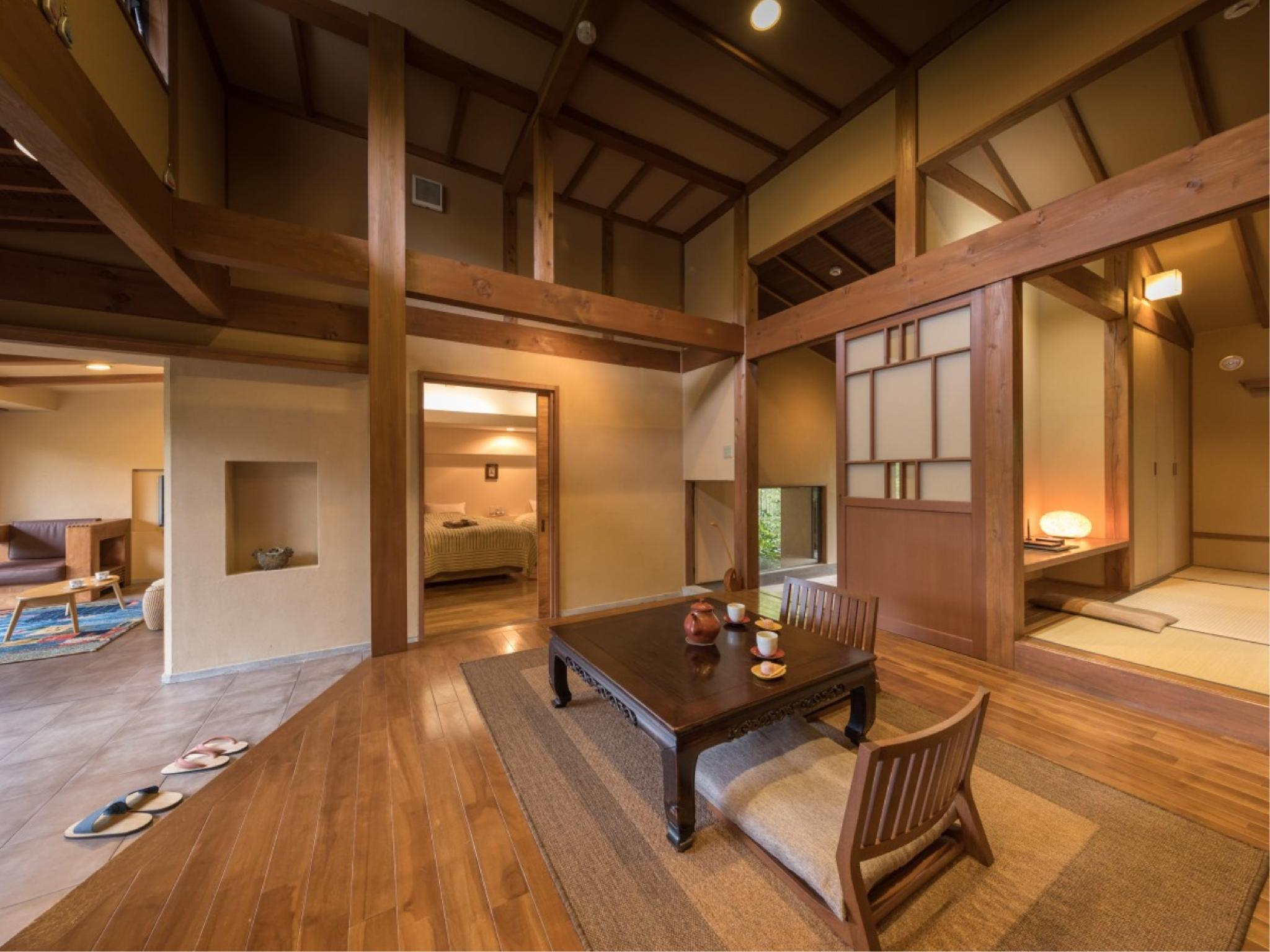 Japanese/Western-style Room with Open-air Bath (Seiheki Type)