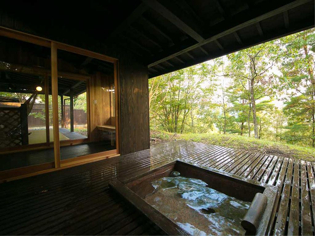 Detached Japanese/Western-style Room with Open-air Bath - Guestroom Shukubo Kawaseminosho The Kingfisher Resort