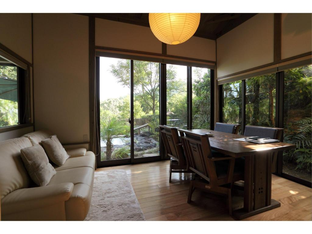 Detached Japanese-style Twin Room with Hot Spring Water Pool and Open-air Bath - Guestroom Yurian