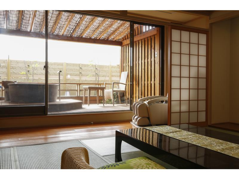 清月亭 和式房+露天风吕 (Japanese-style Room with Open-air Bath & Massage Chair (San-no-Yakata Wing))