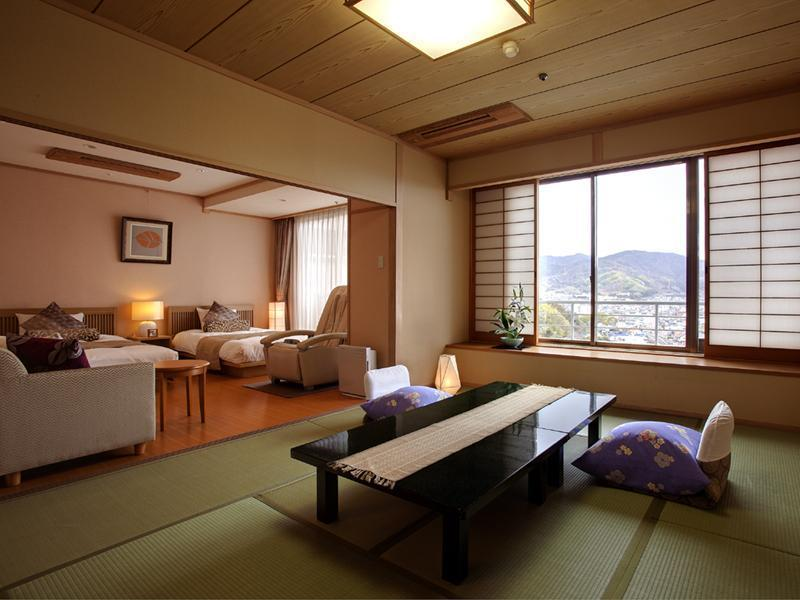 三之馆 和洋式房(2张床+按摩椅) (Japanese/Western-style Room with Massage Chair (2 Beds, San-no-Yakata Wing))