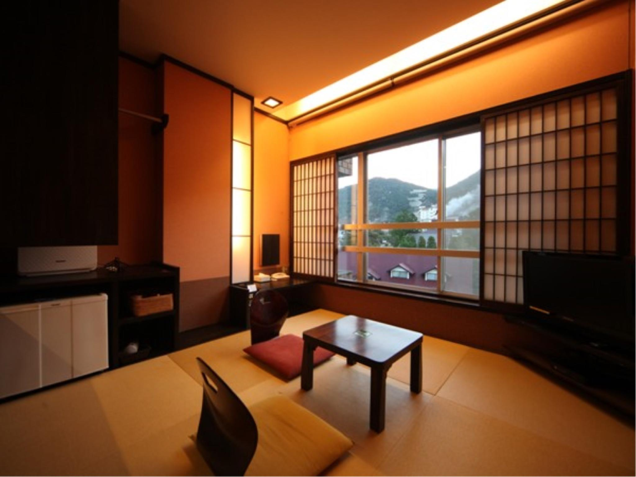 Stylish Modern Folk Japanese/Western-style Twin Room (2 Beds)