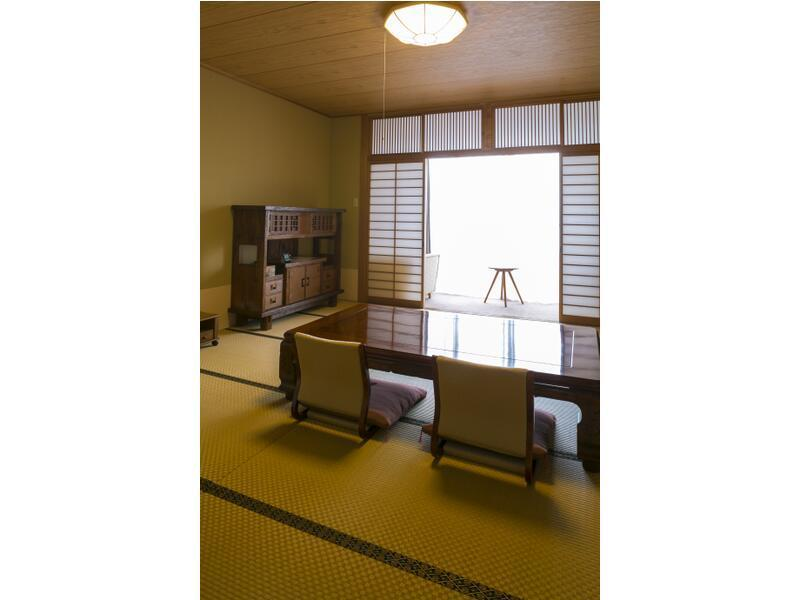 和室|10畳+次の間10畳 (Japanese Style Room with Open-Air Bath)