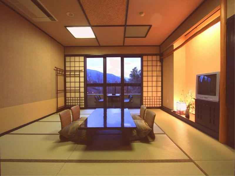 和室(風呂なし)|10畳 (Japanese Style Room Main Building)