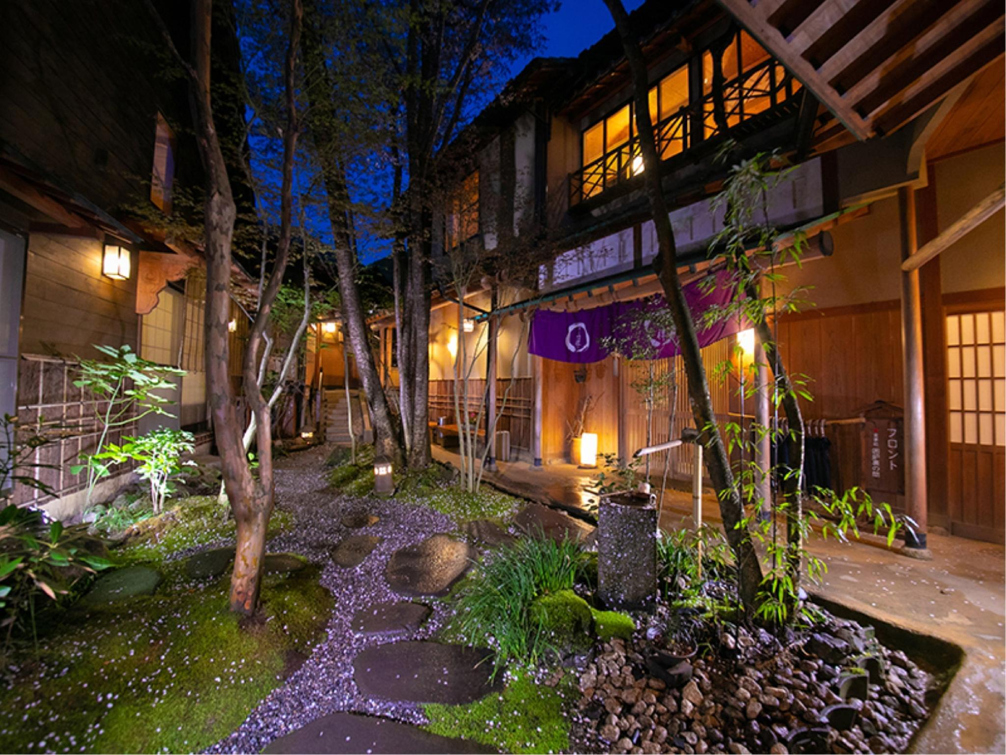 和室|10畳 (Detached 1-Story Japanese-style Room with Open-air Bath)