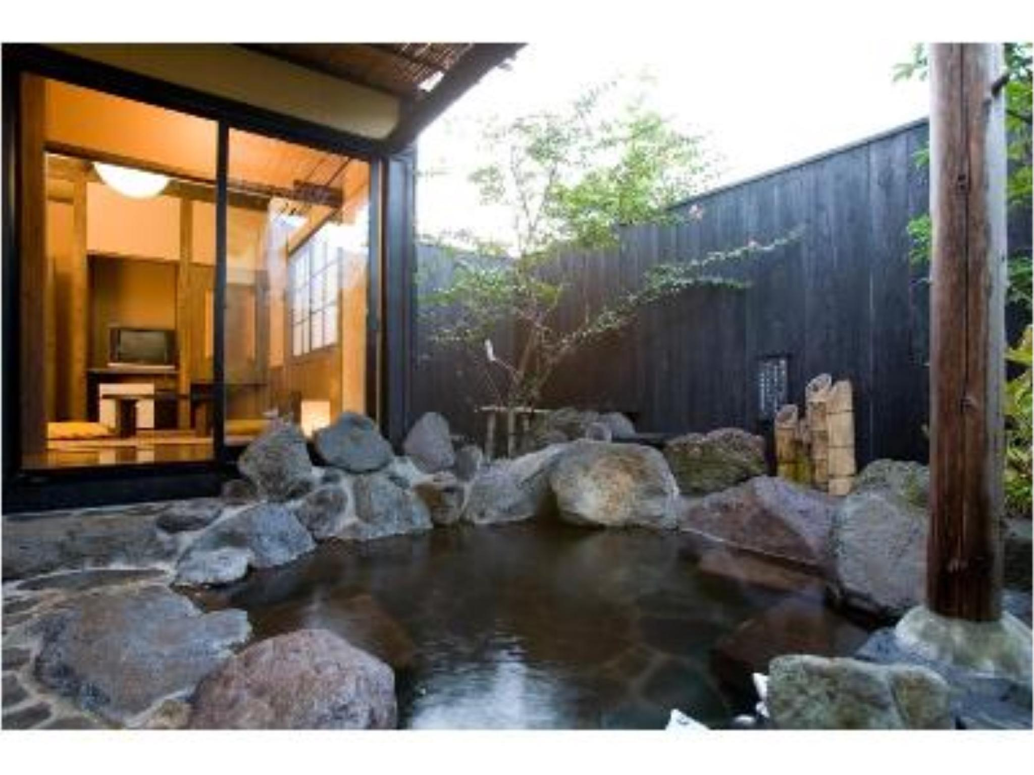다다미 객실(별채/노천탕) (Detached Japanese-style Room with Open-air Rock Bath)