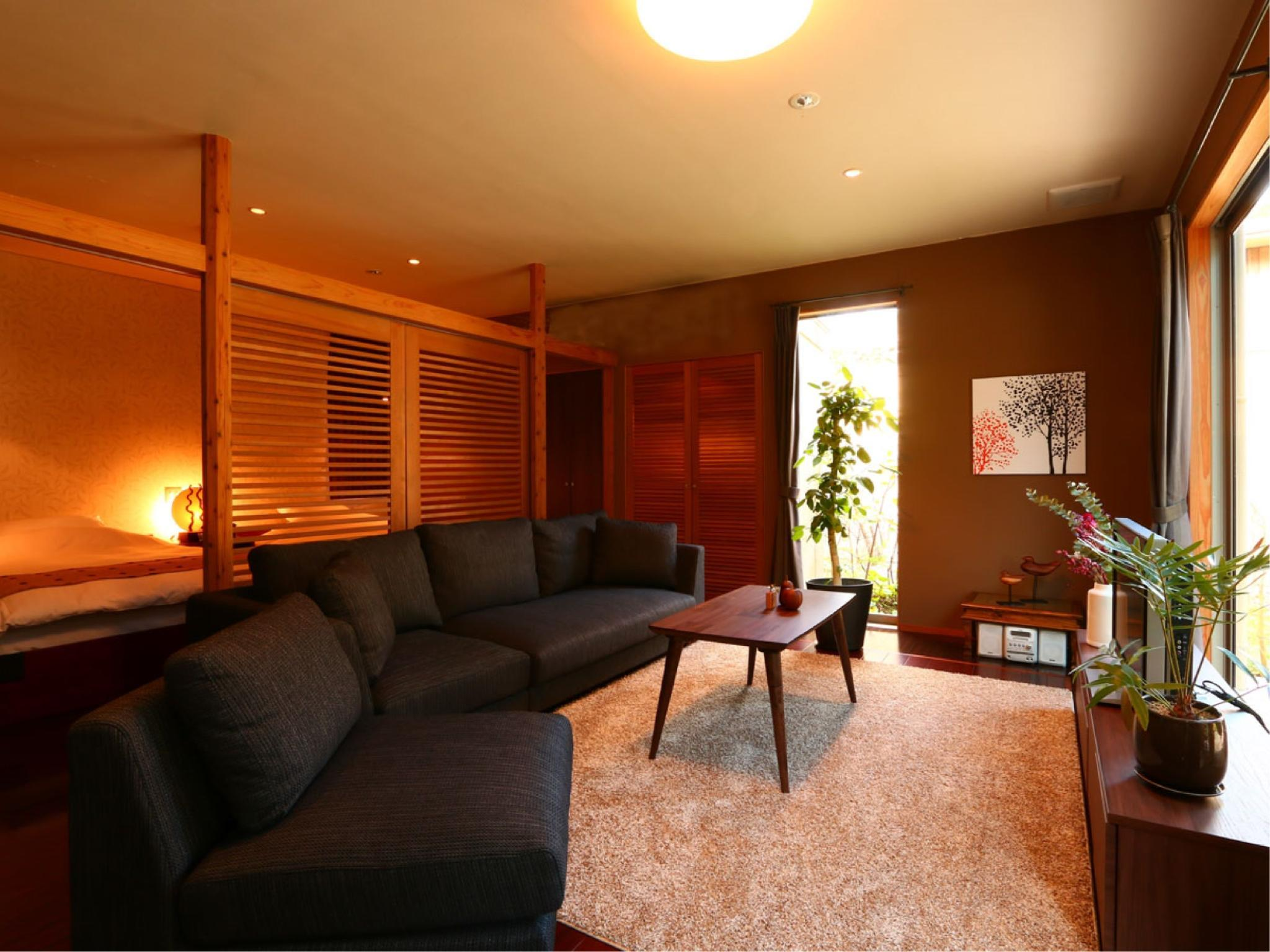 Detached Room with Terrace, Indoor Bath, Open-air Bath, Outer Garden, and Inner Garden (Yume Wing)