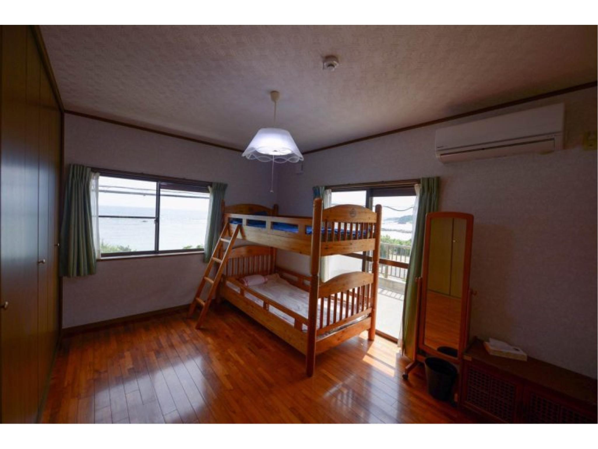 침대 객실(2단베드) (Western-style Room (Bunk Beds))