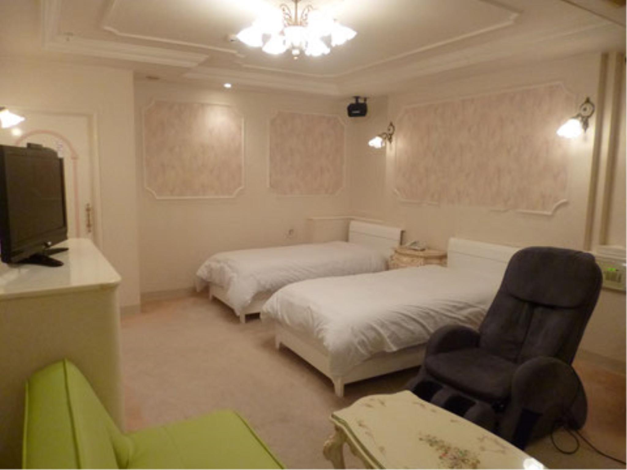 Twin Room with Sofa Bed & Massage Chair