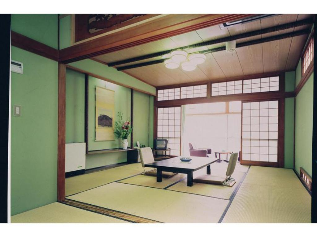 Japanese Style Room - Guestroom Tsutsui