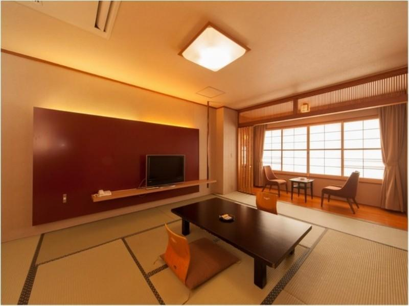 和式房 (Japanese-style Room, Japanese/Western-style Room, or Western-style Room *Allocated on arrival, No shower or no bath in room)