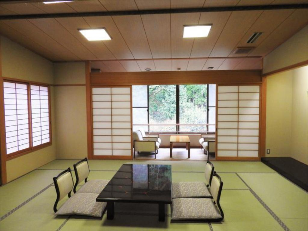 Japanese-style Room (Yurin-kan Wing) - Guestroom
