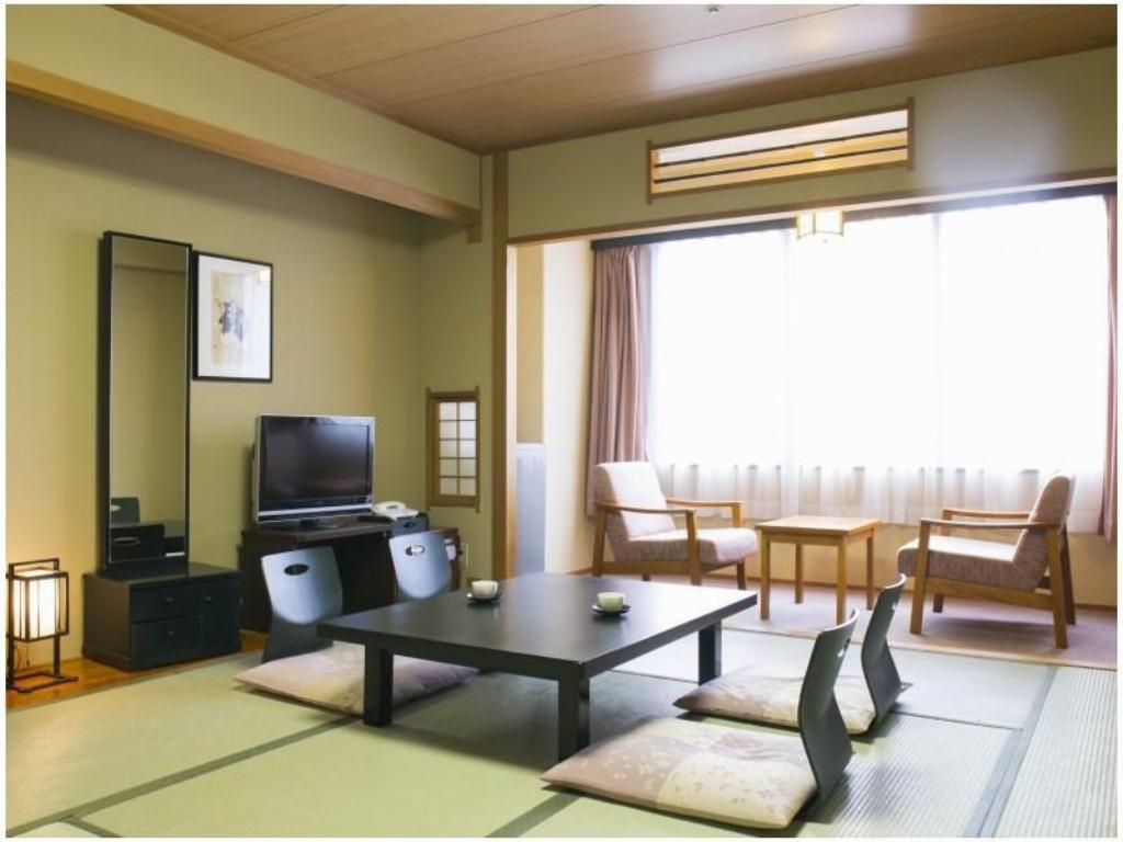 Japanese Style Room - Guestroom Royal Hotel Daisen