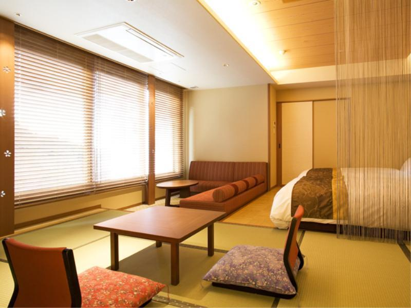 和洋室展望風呂付|8畳+洋間31平米 (Deluxe Japanese/Western-style Room with View Bath & Mini Bar (Yusuran Type, Hanayu Bldg) *Non-smoking from Apr. 1, 2020)