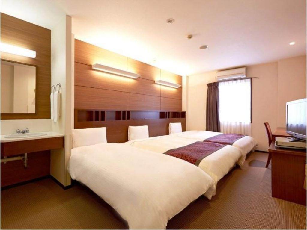 Twin Room with Extra Bed - Guestroom