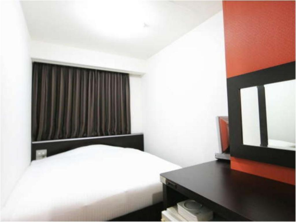 Single Room Type B - Guestroom Green Rich Hotel Suizenji