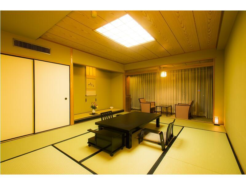 Japanese-style Room (Yusai-no-Toki Floor (Top Floor), Main Building)