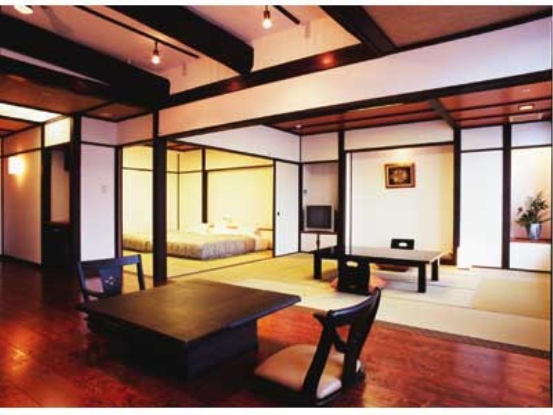 Japanese/Western-style Room (Japanese/Western-style Room with Semi Open-air Cypress Bath (2 Beds, Main Building))