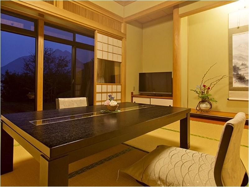 Japanese/Western-style Room with Open-air Bath & Indoor Bath (Japanese-style Room + Bedroom, Annex)