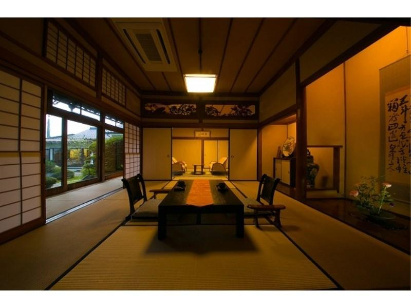 다다미 침대 객실(SYUSUI 8조+8조+베드룸) (Japanese/Western-style Room (8 tatami + 8 tatami + Bedroom, Shusui Type))