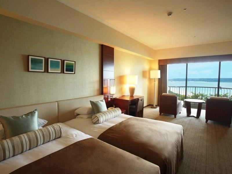 Grand Twin Room with Ocean View Bath