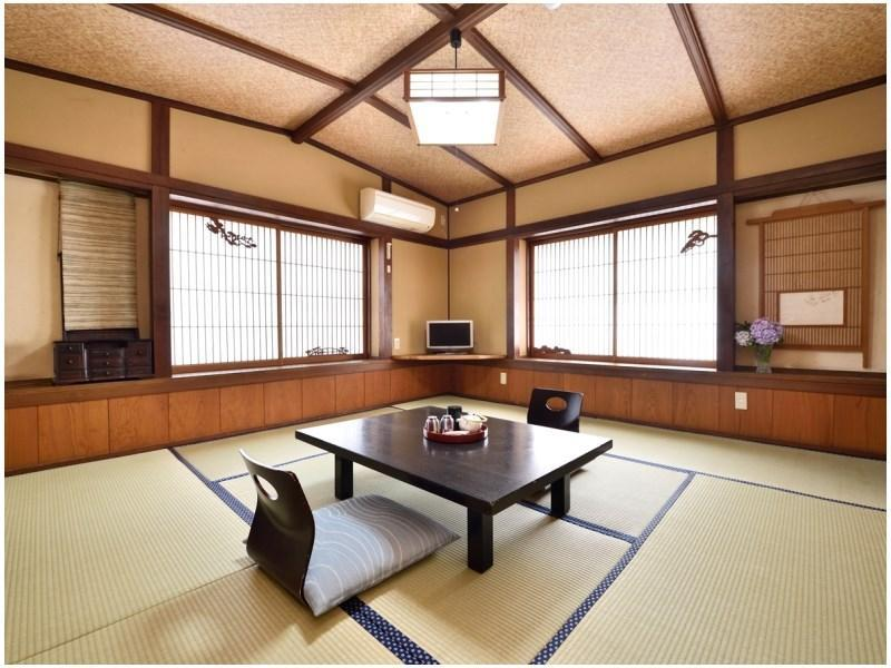 Japanese-style Room (Main Building) *Has washroom & toilet