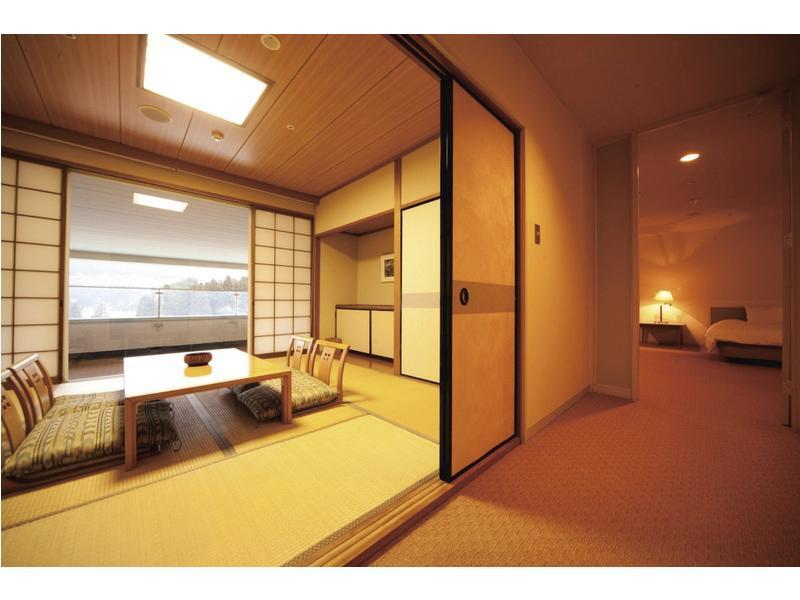 和洋室 (Japanese/Western-style Room (2 Beds))