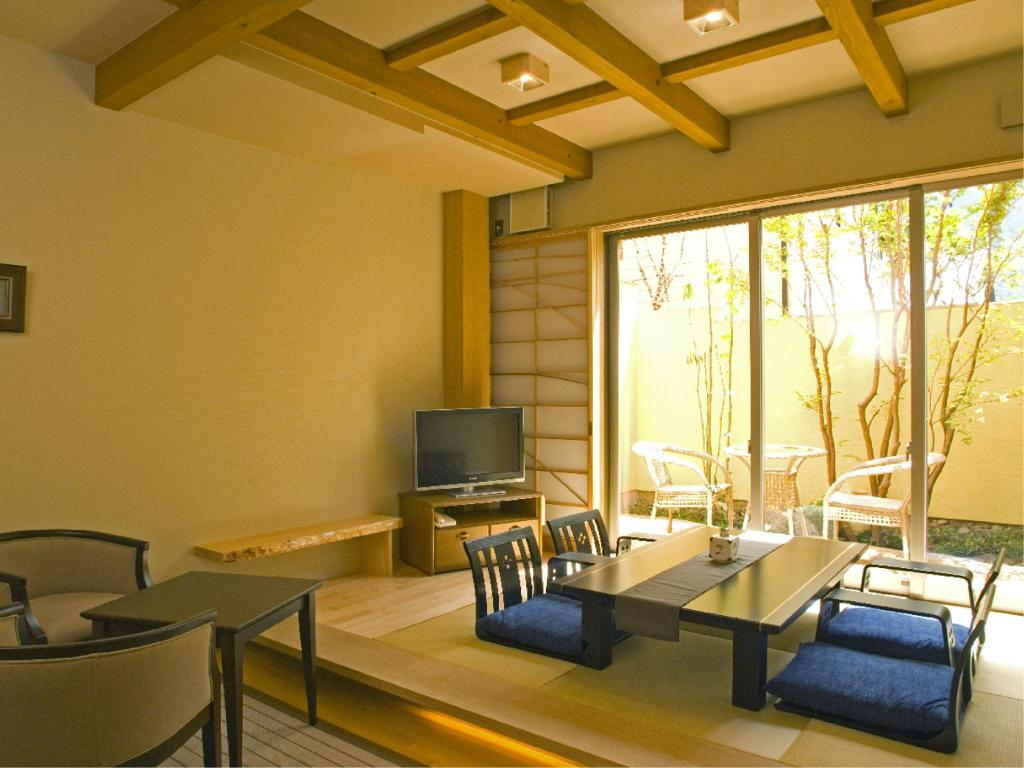 Japanese/Western-style Room with Open-air Bath - ห้องพัก