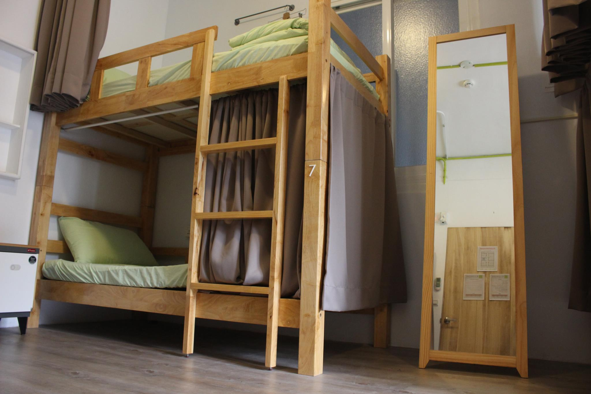 1 Person im 8-Bett-Schlafsaal mit gemeinsamem Schlafzimmer - nur für Frauen (1 Person in 8-Bed Dormitory with Shared Bedroom - Female Only)