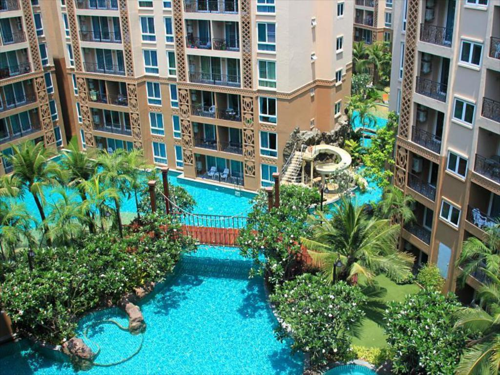 Best price on atlantis condo resort pattaya by ocean for Garden pool reviews