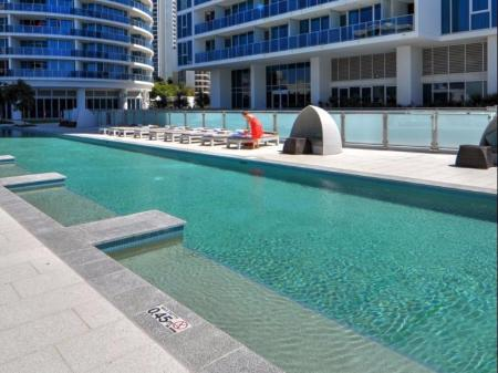 Swimming pool [outdoor] H-Residences Surfers Paradise - GCLR