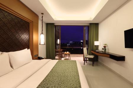 Deluxe City View Golden Tulip Jineng Resort Bali